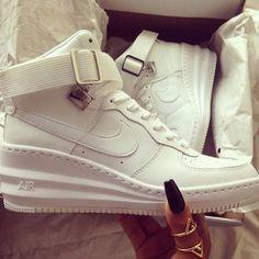 nike sneakers cute af wedges fashion Skor Sneakers ec9eb589a249e