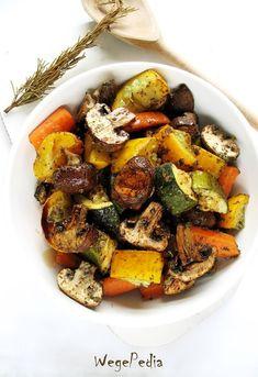 Warzywa pieczone bez tłuszczu - cukinia, pieczarki, marchew - WegePedia Vegetarian Recipes, Healthy Recipes, Vegan Foods, Kung Pao Chicken, Food To Make, Salads, Food And Drink, Dinner, Cooking