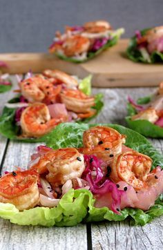 Shrimp Lettuce Wraps & Pineapple Coleslaw, perfect summer lunch or dinner on hot nights Fish Recipes, Seafood Recipes, Paleo Recipes, Cooking Recipes, Recipies, I Love Food, Good Food, Yummy Food, Tasty