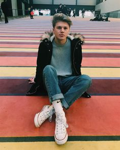 Days Out In London, Blake Richardson, Reece Bibby, Jeans And Converse, Converse Sneakers, New Hope Club, British Boys, Music People, Disney Music