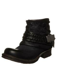 Airstep Saintmetal boot black