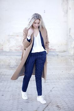 Outfit | A Suits Fan (And Not Just The TV Serie) Simple Outfits, Casual Outfits, Spring Summer Fashion, Autumn Fashion, Mango Coats, Camel Coat Outfit, Michael Kors Sneakers, Layered Fashion, Everyday Fashion