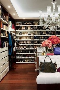 OMG!!! 10 Unbelievable Dream Closets