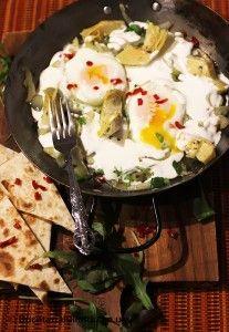 "Oua la capac ""albe"", cu anghinare, ardei gras si smantana. 30 Minute Meals, Eggs, Breakfast, Egg, Morning Breakfast"