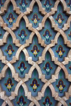 Moroccan tiles \\ the intricate pattern + jewel tones. Bright bold jewel tones are big for Tile Patterns, Textures Patterns, Color Patterns, Print Patterns, Colour Schemes, Islamic Architecture, Art And Architecture, Morrocan Architecture, Motif Oriental
