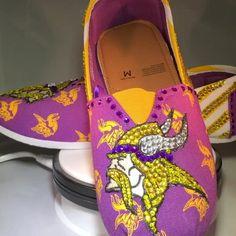 """59df88fa79aa4 Sparkle Custom Heels on Instagram  """" vikings  customheels  minnesotavikings   skol  customshoes  glitterheels  Vikings  football  minnesota   chicagobears ..."""