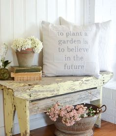 Tips for Decorating Your Home on a Budget and Why Accessories Really Matter. Easy farmhouse decor ideas!