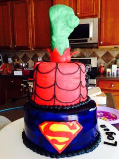 Super hero cake side