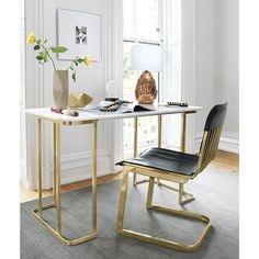Work and play. With modern office furniture and colorful office chairs, you can design a space that's sleek, chic and efficient – and also inspiring.