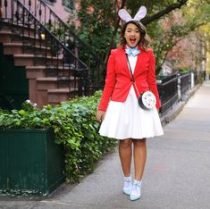 In case you haven't noticed I'M SO OBSESSED WITH HALLOWEEN. Every year I do a few DIY Disney costumes (last year it was Minnie & Snow White) So today I'm sharing Two more DIY …