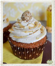 Cupcakes de cacahuete, salsa de miel y buttercream de tahini