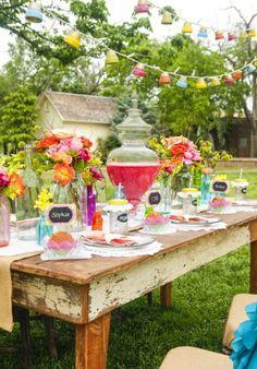 Deko bunt gartenideen Sommerparty tischdeko vintage tisch