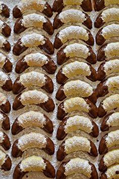 Omlós, bögrés vaníliás kiflicskék | Rupáner-konyha