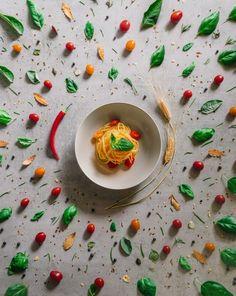 Foto del día: In pasta veritas, por Simone Bramante Modern Art Prints, Wall Art Prints, Italian Pasta Recipes Authentic, Iphone Photography, Quality Time, Food Photo, Printable Art, Landscape Photography, Like4like
