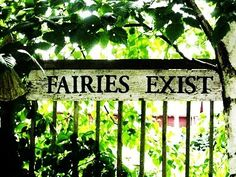 I want this sign in my future garden!