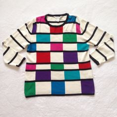 """80s 90s Vintage Modern Art Sweater Simple yet standout piece reminiscent of modern art!! Wear it and become a masterpiece! ✨ 〰 • Size S Petite (b: 20"""" l: 24"""") • Short sleeves: 16"""" • Slightly oversized fit • Great condition!! 〰 Vintage Sweaters"""