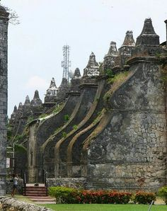 San Agustin Church in Paoay, Philippines. Philippine Architecture, Philippines Vacation, Filipino Culture, Old Churches, Tourist Spots, Palawan, Vacation Trips, Vacation Packages, Asia Travel