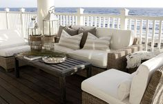 CHIC COASTAL LIVING: Chic and Breezy Coastal Design = WOW