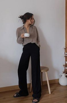Basic Outfits, Korean Outfits, Mode Outfits, Night Outfits, Trendy Outfits, Fashion Outfits, Pantalon Large, Looks Street Style, How To Pose
