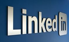 LinkedIn: arriva la nuova funzione di blogging - LinkedIn introduce la funzione di Blogging. Scopriamone il funzionamento e le potenzialità per realizzare del buon Social Media Marketing. - #SMM, #SocialMediaMarketing, #Marketing - scritto da Chiara Landi