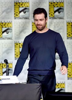 "Antony Starr Photos Photos - Actor Antony Starr attends CBS Television Studios Block Including ""Scorpion,"" ""American Gothic"" And ""MacGyver"" during  Comic-Con International 2016 at San Diego Convention Center on July 21, 2016 in San Diego, California. - Comic-Con International 2016 - CBS Television Studios Block Including ""Scorpion,"" ""American Gothic"" And ""MacGyver"""