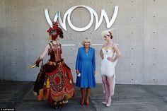 卡米拉康沃尔公爵夫人是从可穿戴艺术博物馆,在新西兰举办的设计大赛的世界模型所示