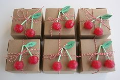 Happy Birthday With A Cherry On Top {guest feature} - Celebrations at Home Nette Idee um Geschenke einzupacken. Creative Gift Wrapping, Creative Gifts, Wrapping Gifts, Wrap Gifts, Creative Ideas, Party Invitations, Party Favors, Party Box, Favours