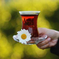 Beauty Iphone Wallpaper, Tea Wallpaper, Fall Wallpaper, Good Morning Coffee, Coffee Break, Coffee Time, Tea Time, Good Morning Wishes Friends, Turkish Tea
