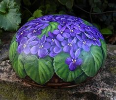 Painted stone with purple flowers - #violets - #rocks art -