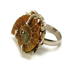 Círculo grande declaración anillo con por laurastamperdesigns
