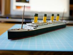 Titanic Model, Rms Titanic, School Projects, Geek Stuff, Diy, Paper Crafts, Miniatures, Printables, The Incredibles