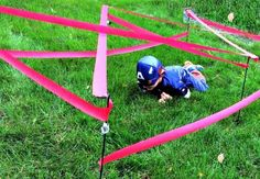 super cool and easy obstacle course as a party game - Geburtstag Superhelden - Ninja Birthday, Avengers Birthday, Batman Birthday, Superhero Birthday Party, Birthday Games, Boy Birthday Parties, Superhero Party Games, Boy Party Games, Summer Party Games