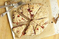 strawberry basil scones | happyolks