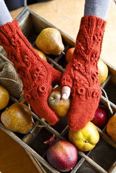 Free pattern for Aslan Trends Vineyard Mittens...from Vogue knitting...for me...I would add a thumb end...just because without looks mighty chilly.....