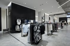 David Jones Eastland - Beam - used as a double sided upright, running in the centre of the fixture creating a unit that is open. Shop Fittings, Custom Metal, Retail Shop, David Jones, Visual Merchandising, Metal Working, Beams, Centre, It Is Finished