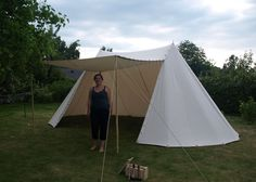 Awesome tent! cool blog about medieval crafts.