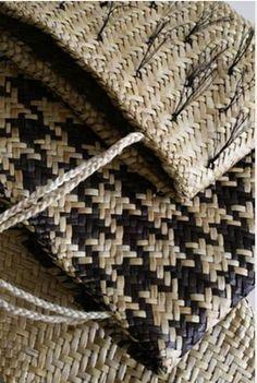 Maori, New Zealand, Flax Weaving, Weaving Textiles, Weaving Art, Basket Weaving, Weaving Patterns, Maori Patterns, Wood Patterns, Contemporary Baskets, Maori Designs