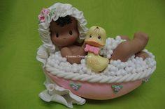Bebé en la tina - AFROAMERICANO