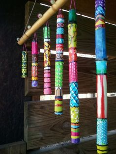 Homemade Wind Chimes Made From Painted Sticks. Home and Family Bamboo Trellis, Bamboo Fence, Bamboo Poles, Bamboo Crafts, Wood Crafts, Bamboo Care, Bamboo Wind Chimes, Painted Bamboo, Deco Nature