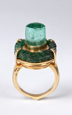 South India | Emerald Ligam ring | 19th century | ©Susan Ollemans (London, UK)