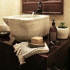 #Bathroom #details #nowaterwaswastedduringthisphotoshoot #bathroomdecor #turkishhammamsink #marblesink #turkishmarblemortar #succulent #plant #foutatowel #turkishtowel #hammambowls #chinesecabinet #chinesemirror #savon #savonliquide #savondemarseille #decor #interiordecor #bohemiandecor #boho #buddha #jewelry #apartmentdecor #globaldecor #apartmentf15