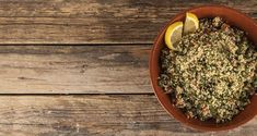 Tabbouleh quinoa by Greek chef Akis Petretzikis. A recipe for tabbouleh quinoa that you must definitely make. It is very nutritional, rich in protein! Quinoa Tabbouleh, Rich In Protein, Mediterranean Diet, Diet And Nutrition, Dairy Free, Healthy Recipes, Plants, School Lunch, Lunch Ideas