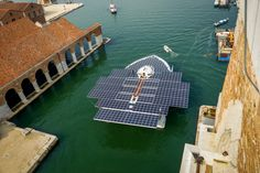What a large solar catamaran ! 23 meters wide 0_0