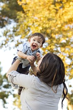 Mommy and Son photos in the park www.tearbearpix.com