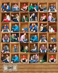 Family posing idea of multiple photos of different family members inside a large cardboard box Family Tree Print, Family Tree Photo, Large Family Photos, Fun Group Photos, Extended Family Pictures, Large Family Portraits, Cute Family Pictures, Family Collage, Creative Photography
