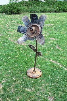 junk art: fan blade flower