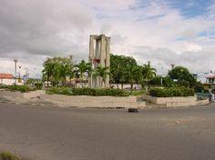 Obelisco de la Redoma de Delfin Mendoza - Municipio Tucupita