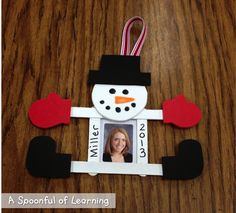 Snowman Ornament with FREE Templates - Great for family holiday gift