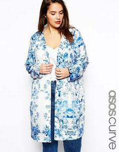 Fashion for curvy women: Printed jackets