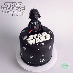 Torta Star Wars Medellín - Star Wars Cookie - Ideas of Star Wars Cookie - Torta Star Wars Medellín Star Wars Cake Toppers, Star Wars Cupcakes, Star Wars Cookies, Cake Cookies, Bolo Star Wars, Star Wars Food, Star Wars Birthday Cake, Star Wars Party, 9th Birthday